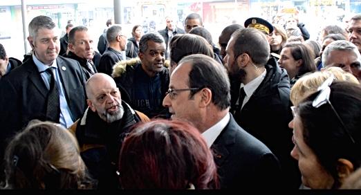 Philippe, le 16 février 2017, en compagnie du Président de la République en visite à Maurepas