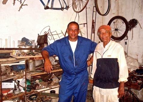 """La vie """"entre les métaux"""" de José et Miguel"""