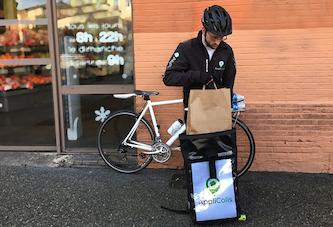 Des coursiers à vélo s'organisent en coopératives