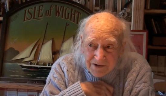 19 janvier 2011, à Cancale, dans son bureau.