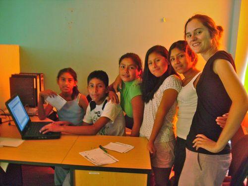 Les jeunes animent un blog où ils présentent la vie à Manchay