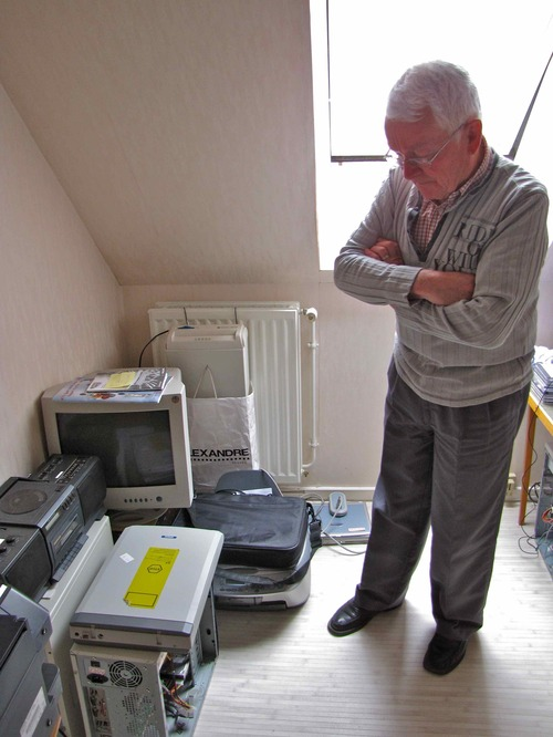 """Alain, à 78 ans, """"techno solidaire"""""""
