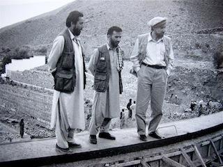 Massoud avec Ashmat, l'architecte de sa maison du Panshir