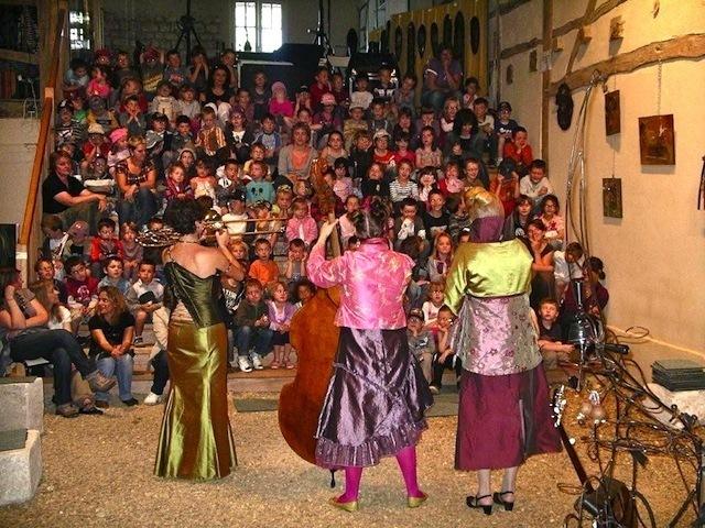 Fêtes et festivals mobilisent le village