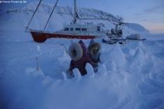À bord de Vagabond, les rêves des enfants glissent sur la glace.