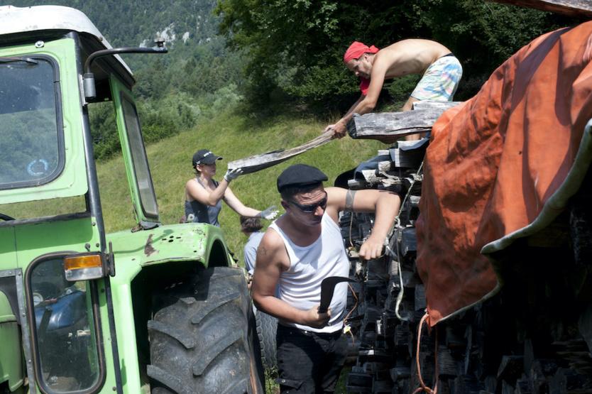 Dans la ferme autogérée du réseau Longo Maï en Suisse