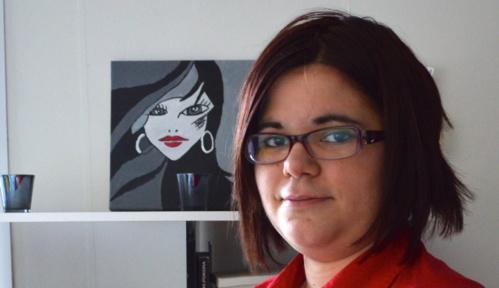 La créativité de Pauline s'exprime aussi par la peinture et la customisation de boîtes.