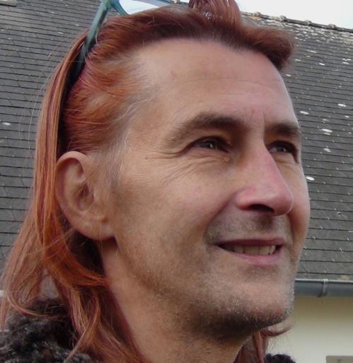 Intersexe, Vincent Guillot sort de la nuit