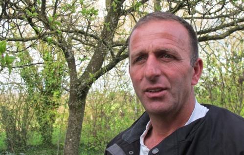 Raed Abou-Youssef lors d'un passage récent chez des amis paysans bretons