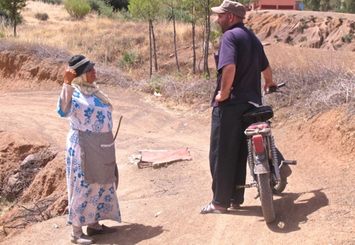 Abdesslem a mobilisé les villageois pour installer ensemble l'eau courante