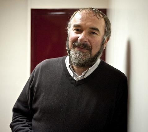 Après avoir été délégué régional du Secours Catholique, Bernard Schricke s'est rendu régulièrement à Mayotte depuis 2001. Il a contribué à l'organisation de cette mission.