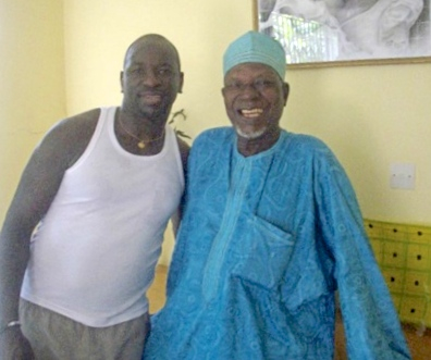 Touré Vakaba et son père, chef coutumier.