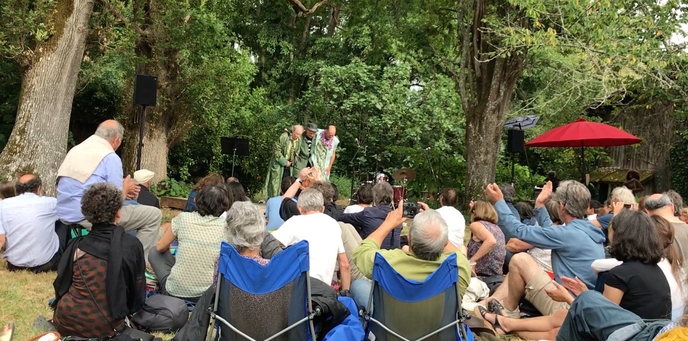 Dans le Parc Seguin, Rigodon: le picard avé l'occitan l'accent grave avec l'accent drôle...