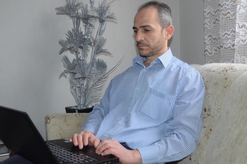 De la prison à l'exil, les combats de Masab Saoud, journaliste syrien