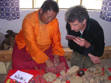 Enquête ethnobotanique au Tibet (photo : JP Nicolas).