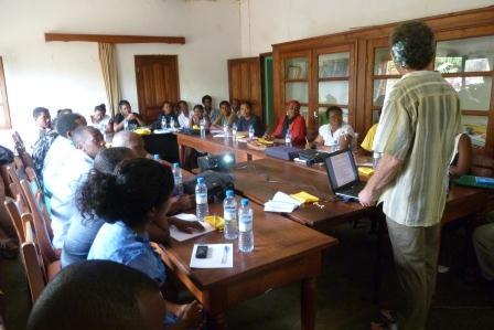 Formation auprès des agents de santé Diego II Madagascar (photo : JP Nicolas).