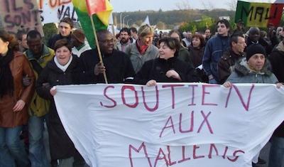 """Extrait du documentaire """"Rendez-nous nos Maliens !"""" Production Bo Travail."""