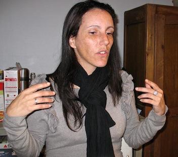 Sur scène, le cri de Rachel, victime de violences conjugales