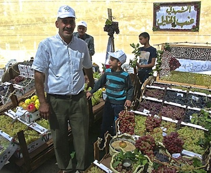 70 000 visiteurs de toute la Palestine sont venus au Festival du Raisin en octobre 2013 (Photo AFPS)