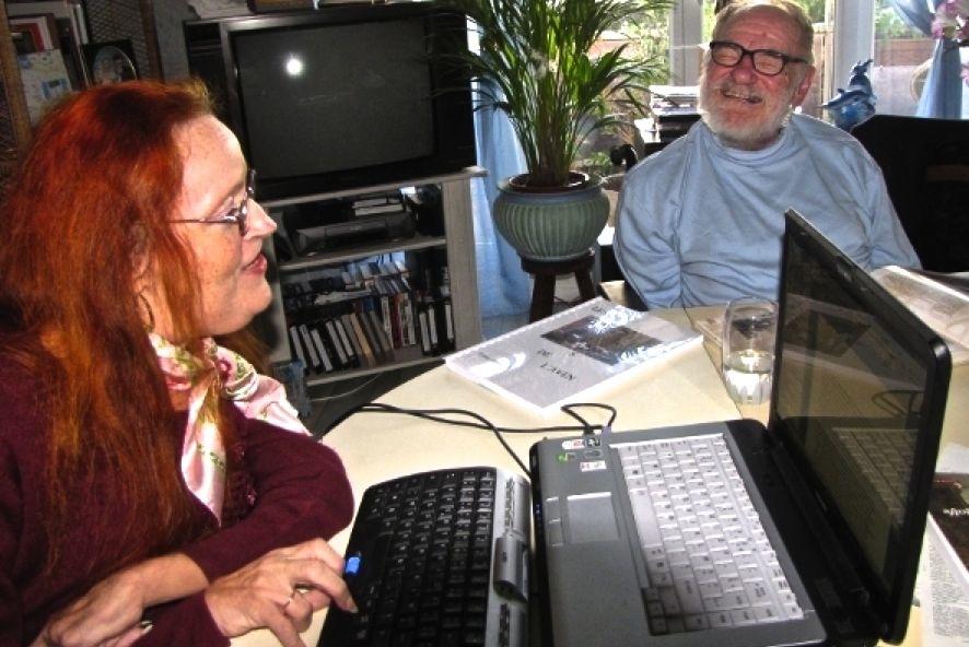 Gildas dicte, Marie Claude tape, toujours... et en plus gère le site internet.