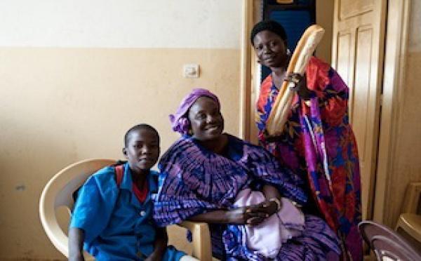 """A Dakar, la rencontre des """"sans voix"""""""