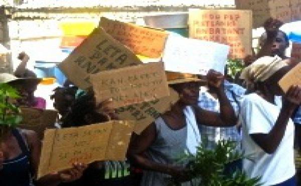 « Stop aux expulsions forcées en Haïti »