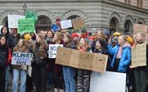Les jeunes filles sont présentes en majorité lors des manifestations.