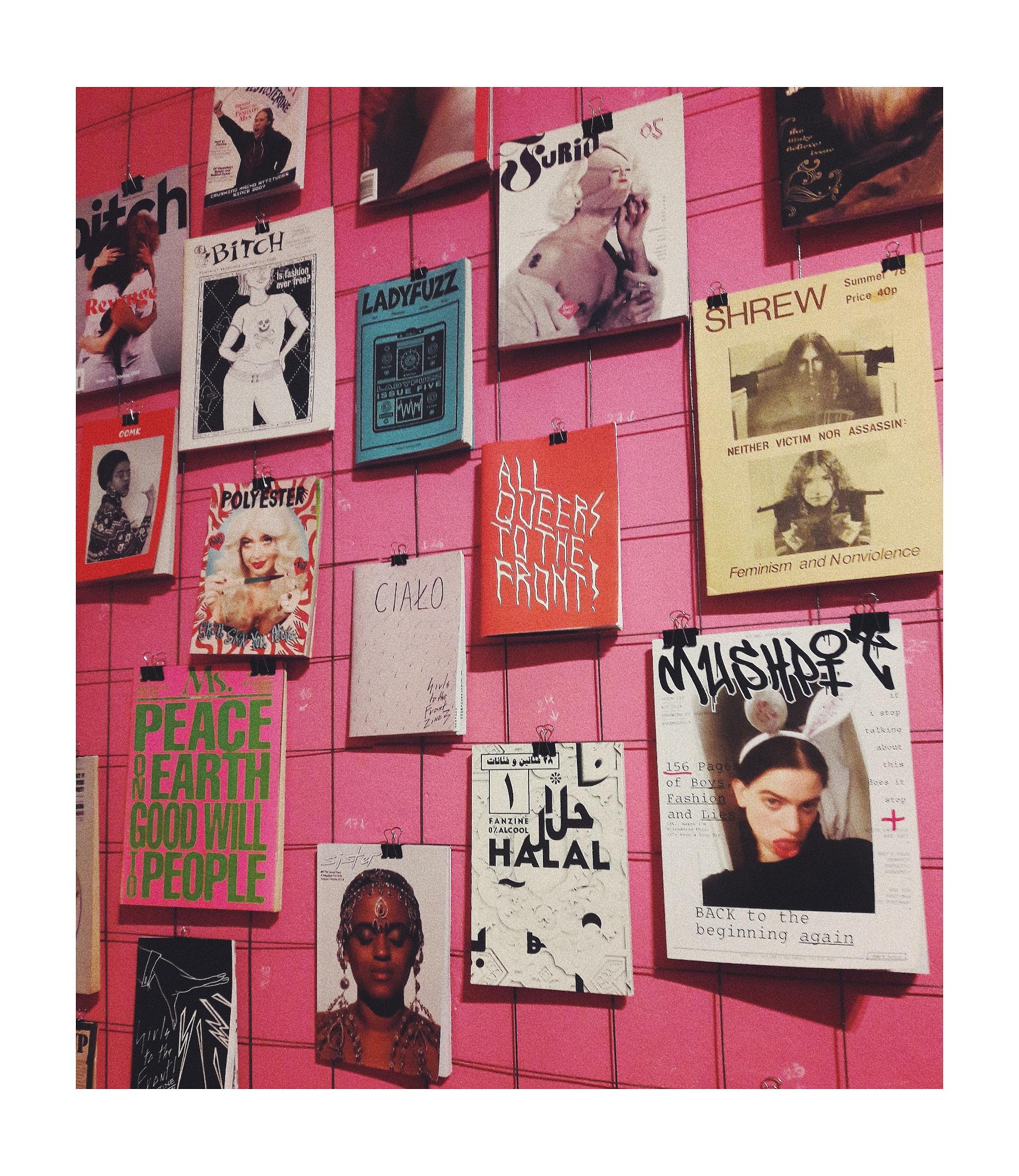 Photo prise lors de l'exposition  « Do it (her)self » à Nośna (Cracovie)