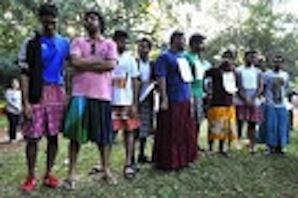 En Inde, la jupe non-violente