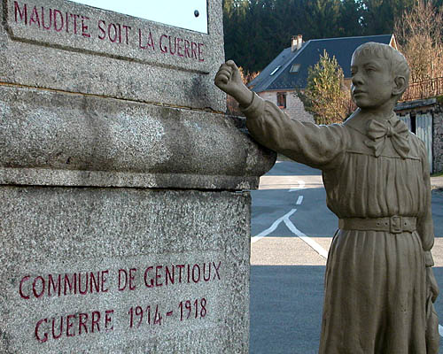 Le monument aux morts de Gentioux