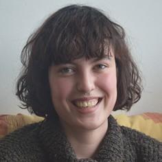 """Louise Lizano, 21 ans, Rennaise, en licence 3 de psychologie. """"En fin d'année scolaire dernière, je voulais trouver un appartement. Je pensais aussi m'engager dans une association. Une amie, en service civique à l'Afev l'an dernier m'a parlé de colocation qui permet d'allier les deux»."""