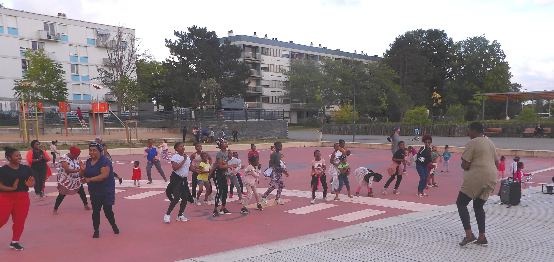 L'afro-jump était  animé par Karine Matungulu, sur la Place rouge