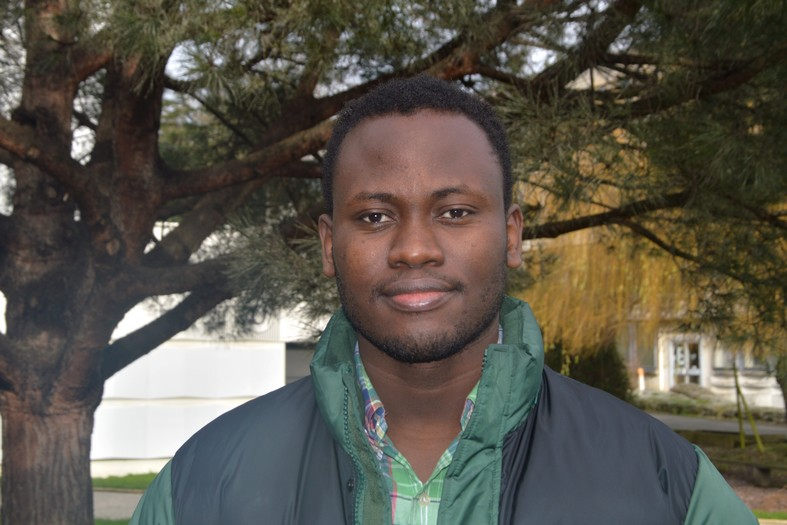 Moboladji- Roger Alaye-Djiman s'est rapidement engagé comme bénévole sur le quartier.