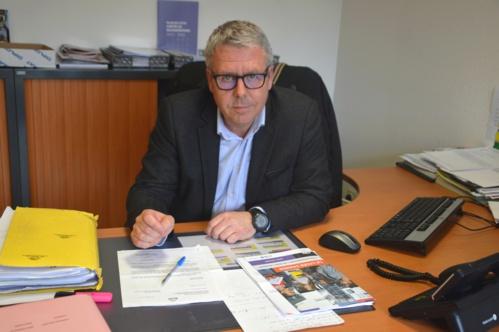 Pour M. Renault, le principal du collège, le nombre d'élèves devrait passer de 580 cette année sur les deux sites à un maximum de 510 à la rentrée prochaine sur le site de Montbarrot.